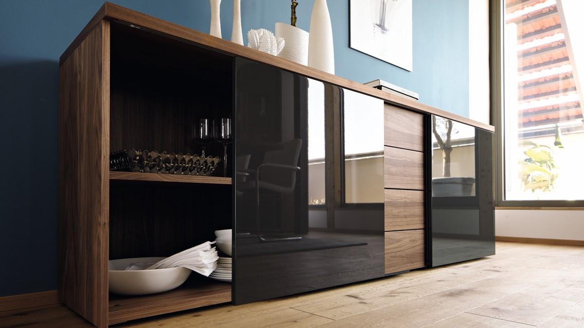 Designe jetzt Dein individuelles now! time Sideboard mit 4 Schubladen und zwei Schiebetüren.