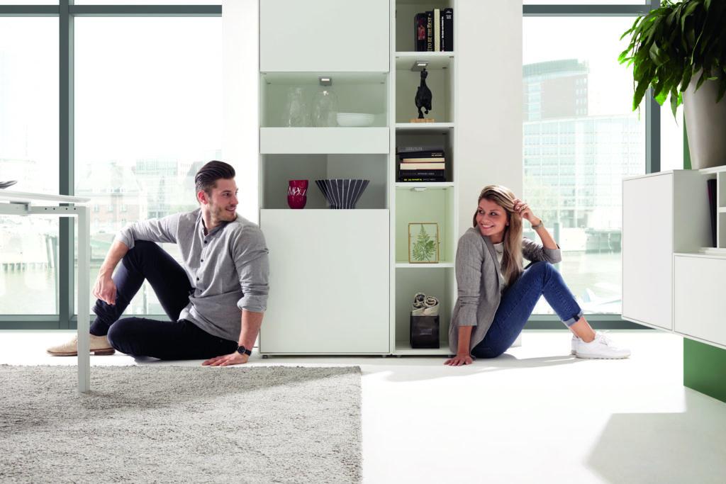 Gerade bei Paaren hilft der Wohnstil-Kompass dabei, dass niemand zu kurz kommt. (Bild: NOW! by hülsta, NOW! EASY)