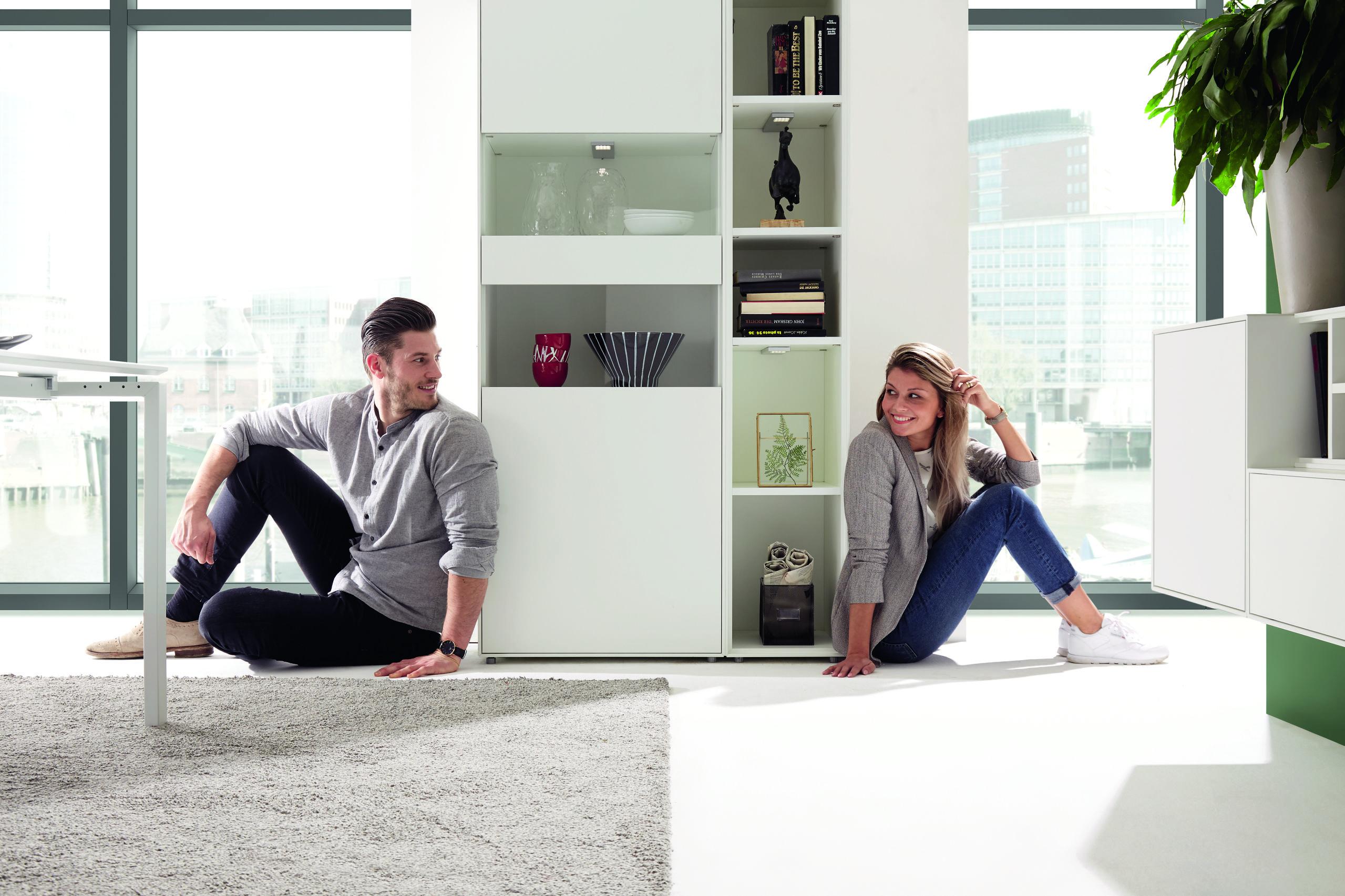 Gerade bei Paaren hilft der Wohnstil-Kompass dabei, dass niemand zu kurz kommt. (Bild NOW! by hülsta, NOW! EASY)