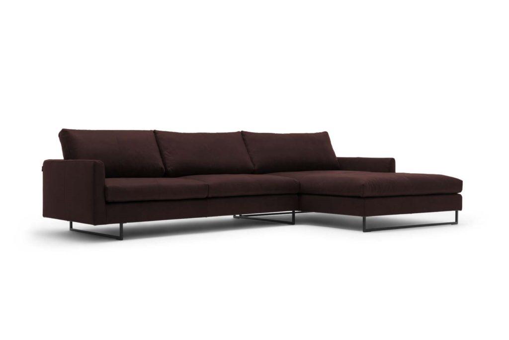 #9003 dunkelbraun Leder, freistil 134 Sofa mit Longchair rechts