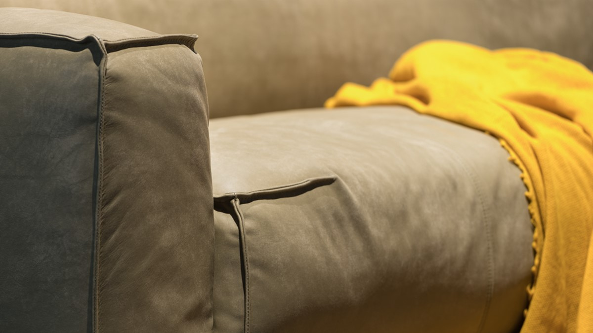 Vor allem in der Leder-Ausführung kommen diese dekorativen Nähte erst so richtig markant zur Geltung.