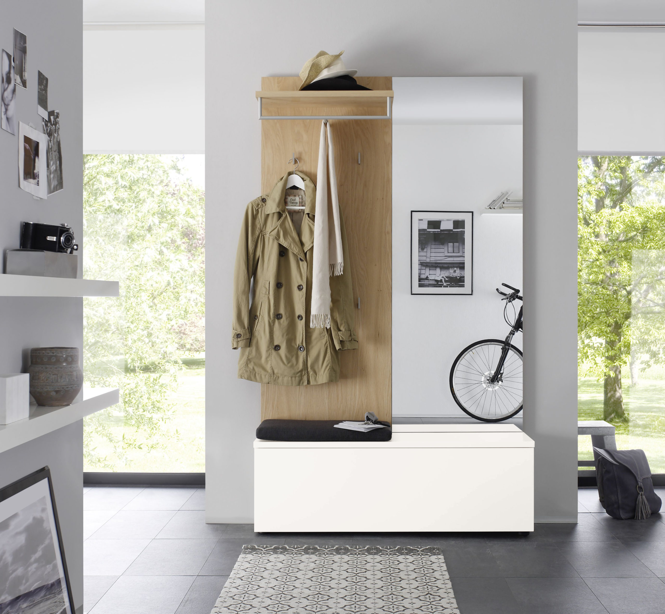 Sudbrock TANDO Garderobe in der Ausführung Ethno Eiche, Lack verkehrsweiß #420