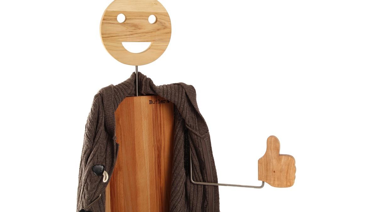 Der Hello Butler Herrendiener begrüßt gerne all Deine Gäste im Flur.