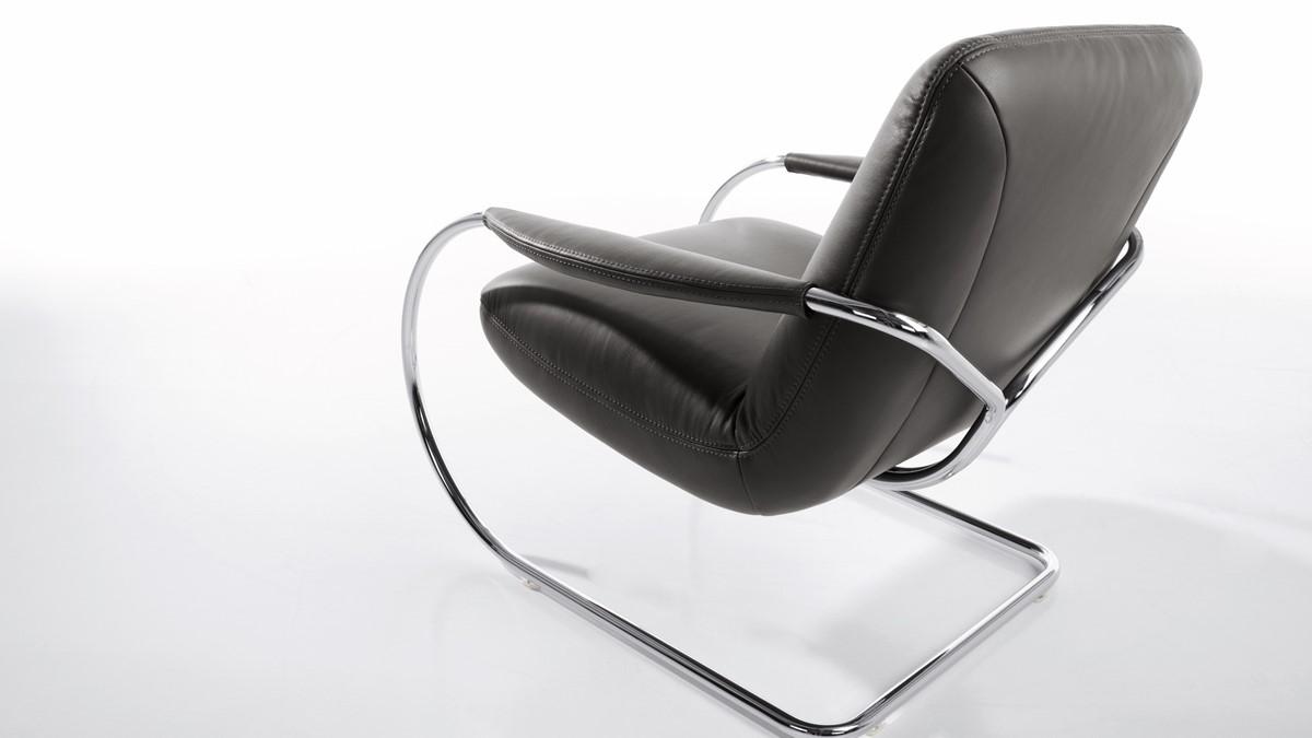 Der KOINOR JINGLE Freischwinger-Sessel begeistert mit einem innovativen Sitzgefühl!