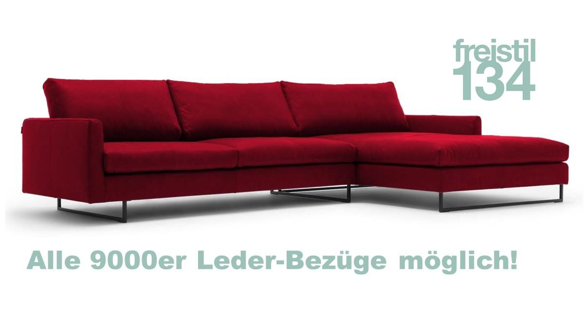 Dieses freistil 134 Sofa mit Longchair ist ca. 334 cm breit und kann in allen 9000er Leder-Bezügen konfiguriert werden.