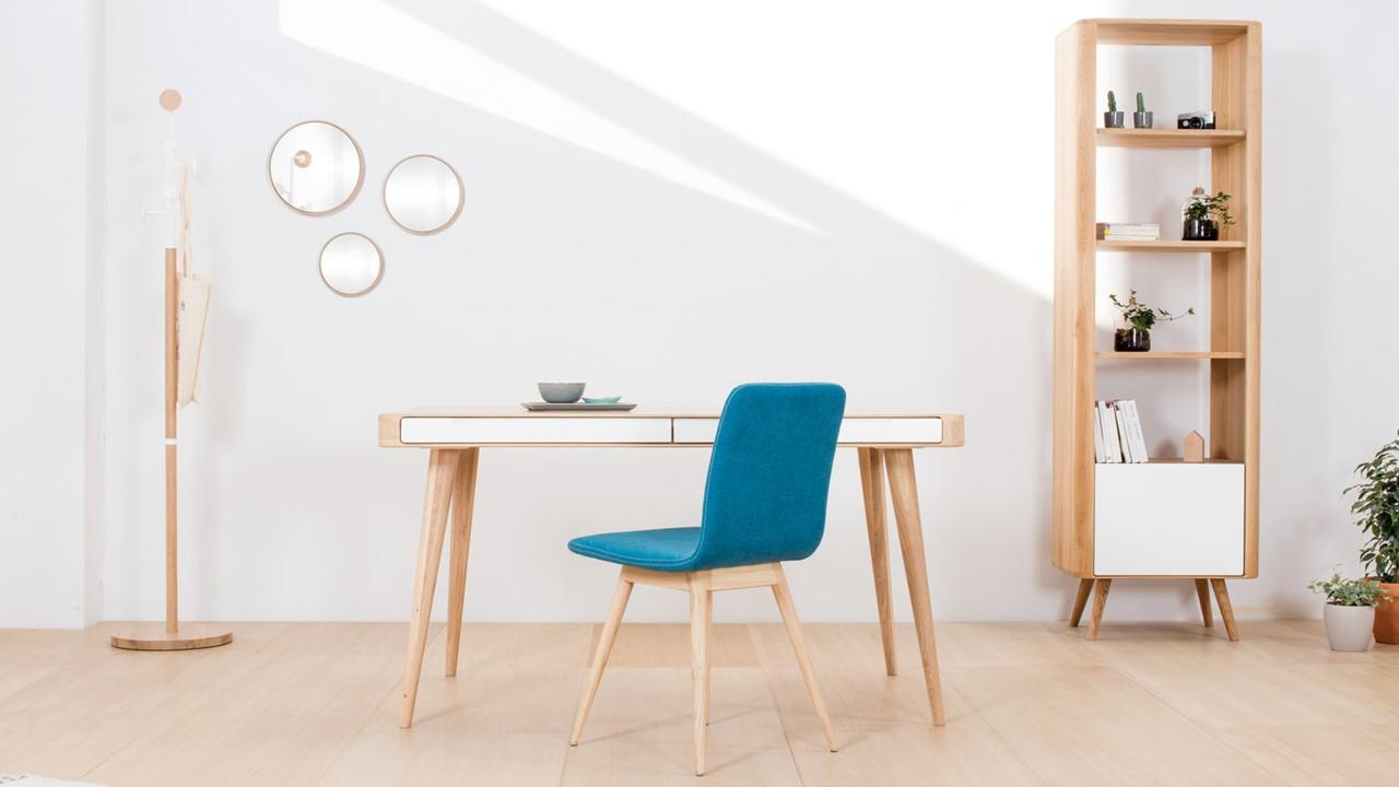 Gestalte jetzt Dein wohnliches Home-Office in nur zwei Klicks mit den Massivholz-Möbeln von GAZZDA.