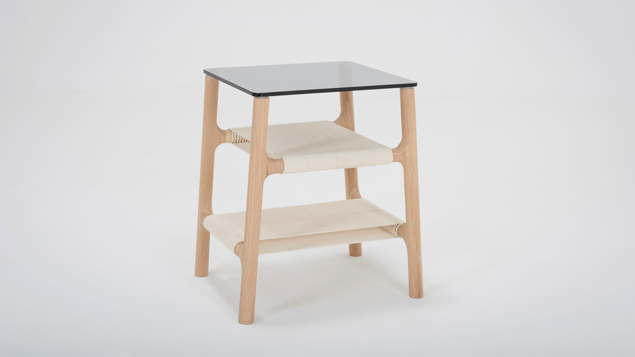 Konfiguriere Deinen individuellen GAZZDA Fawn Nachttisch in unserem Markenmöbel-Onlineshop.
