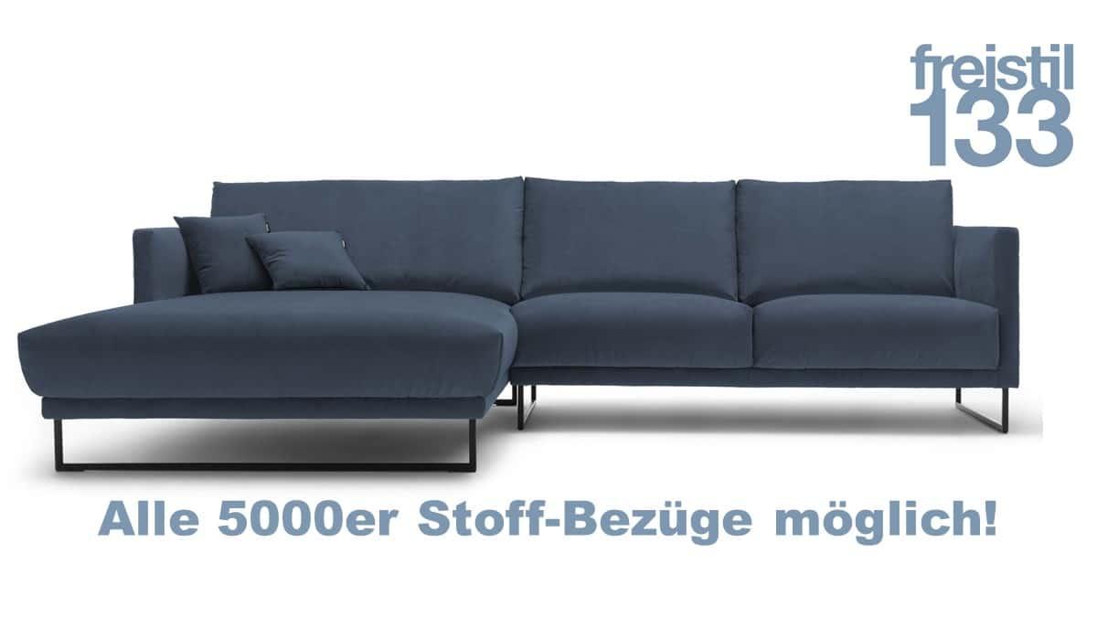 freistil 133 Sofa mit Longchair links im Stoff-Bezug - zahlreiche 5000er Stoffe möglich