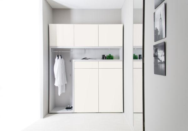 Sudbrock TANDO Garderobe No. 47 in Lack 420 verkehrsweiß